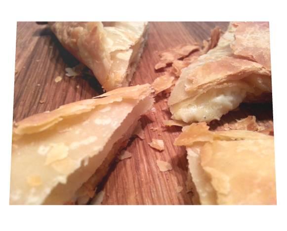 5 x 220gr Tiropita Triangle Cheeses Pie 1.1kg-0